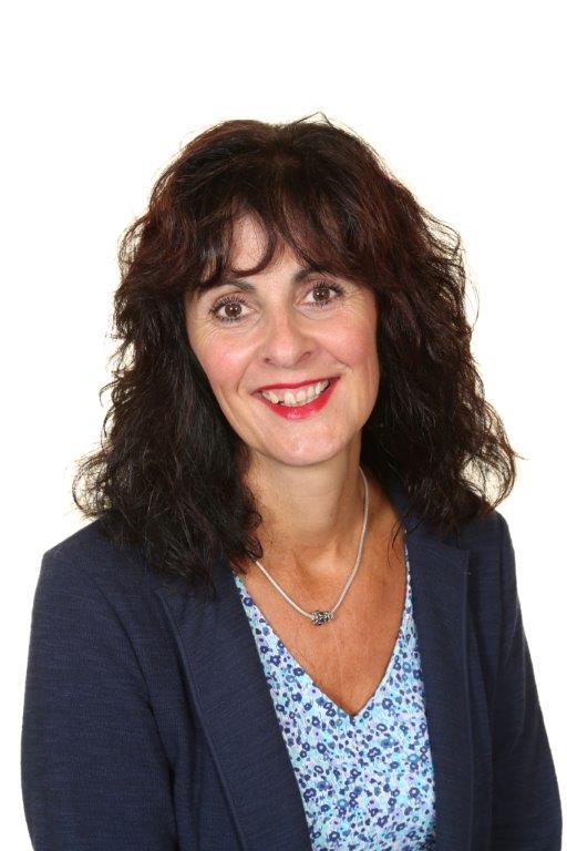 Mrs Karen Hull