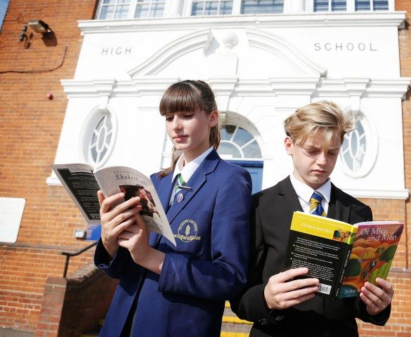 Reigniting a love for reading with CHS pupils outside school grounds